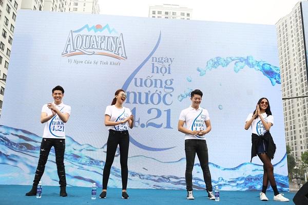 Nước uống tinh khiết Aquafina bình 20 lít
