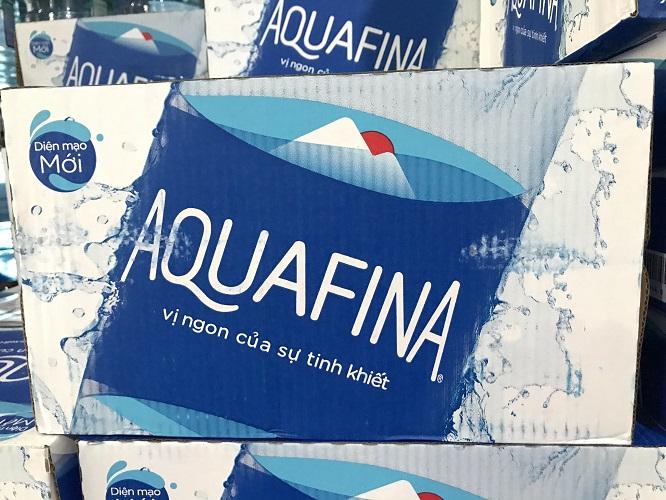 Nuoc-AQUAFINA-GIA-nhan-biet-nhu-the-nao